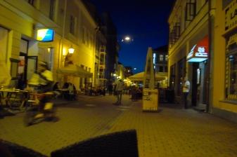 Тарту, Естония. Нощен живот в централната част.