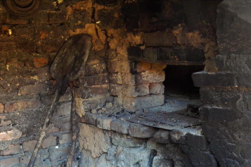 Фурнаджийската лопата вече не се върти около хляба